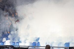 Na snímke sektor fanúšikov Slovana počas dohrávky 8. kola Fortuna ligy ŠK Slovan Bratislava - FC Spartak Trnava.