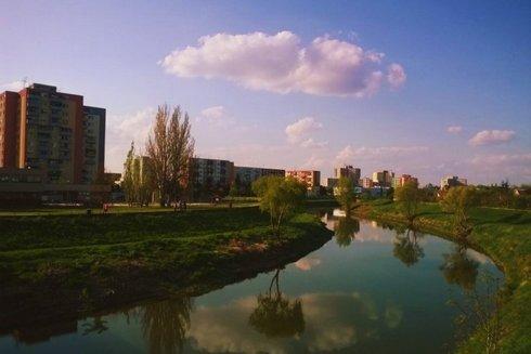 nove-zamky-ulice-sidlisko-rieka-nitra-bo_r6416_res.jpg