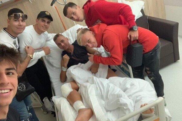 V nemocnici Mateja Trusu už navštívili mnohí kamaráti či spoluhráči.