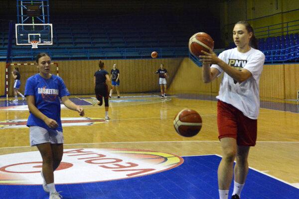 Košické basketbalistky naplno zarezávajú pred štartom novej sezóny.