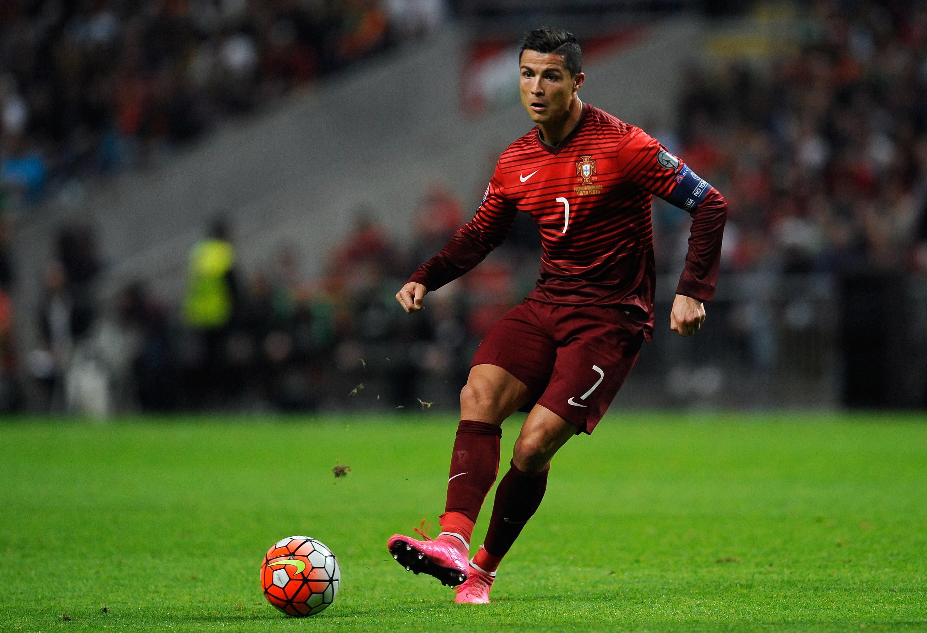portugal_denmark_euro_soccer994042291412_r1108.jpg