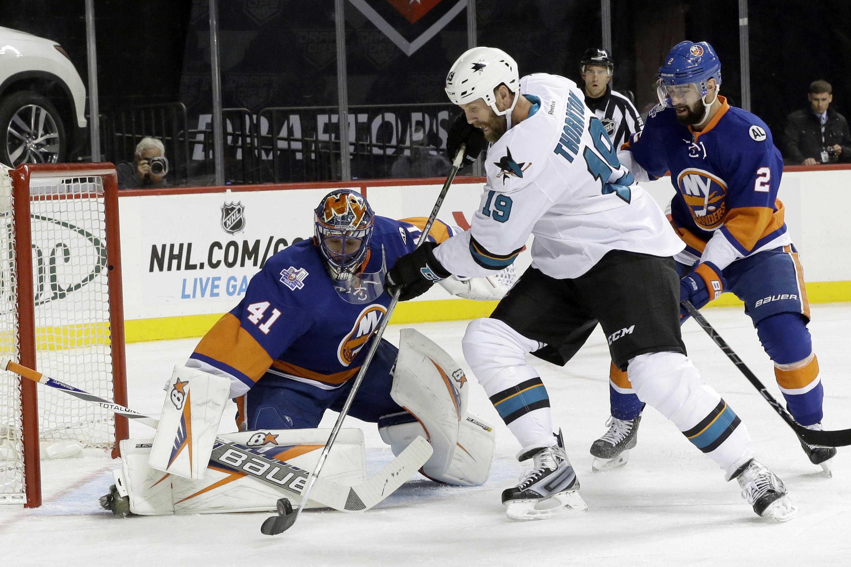 sharks_lslanders_hockey010507293818_r2213.jpg