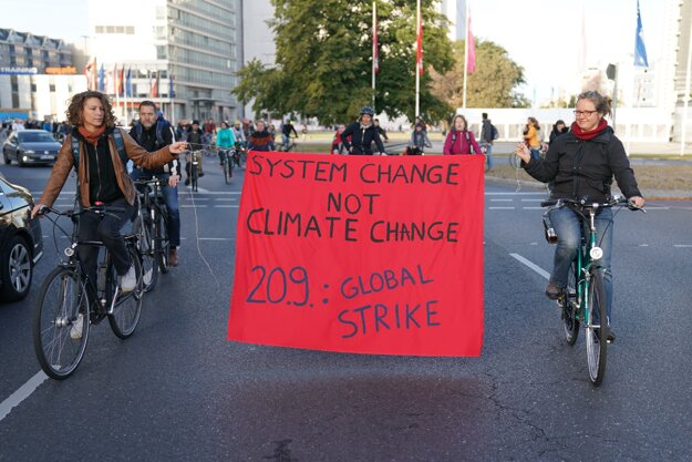 Aktivisti zablokovali križovatku v Berlíne.