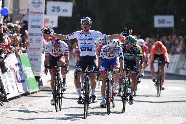 Elia Viviani víťazí v 4. etape na Okolo Slovenska 2019.