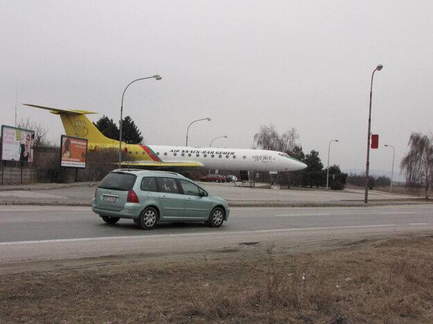 Lietadlo už premiestnili do múzea v Dubnici.