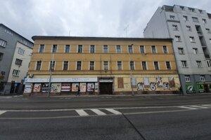 Budova spoločnosti Berg na rohu ulíc Mariánska a Špitálska.