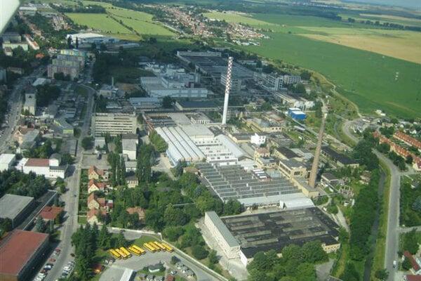 Letecký pohľad na bývalú hodvábku v Senici.