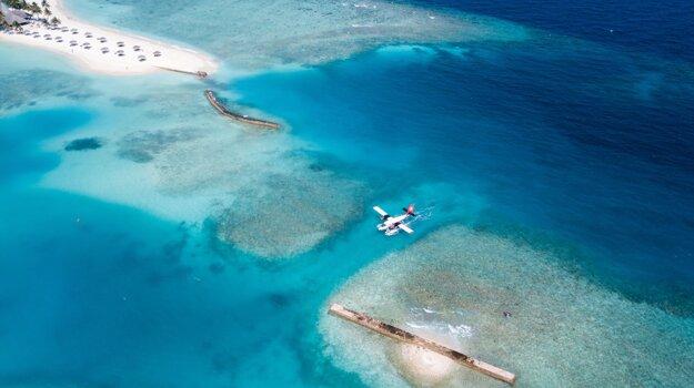 Preprava medzi atolmi na hydropláne