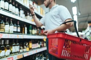 Cena za jednotku alkoholu stúpla najmä v prípade lacných, no silných ciderov, ako aj v prípade neznačkového tvrdého alkoholu.