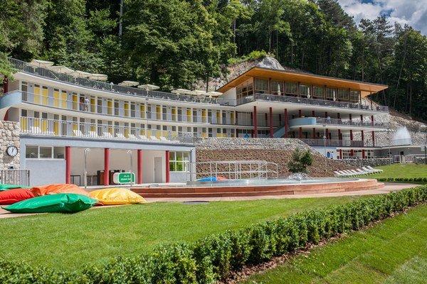 Prvé dni bude prevádzka kúpaliska len skúšobná, kapacitu obmedzia na 250 návštevníkov.