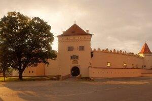 Kežmarský hrad objavujú aj turisti zo zahraničia.