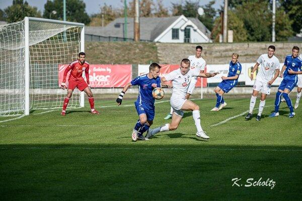 Zo zápasu Komárno - Nitra 0:2.
