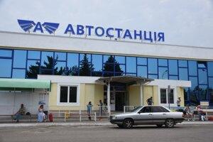 Aj hlavná autobusová stanica v meste pripomína sovietsku éru.