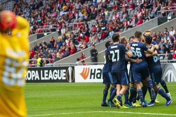 Momentka zo zápasu Sporting Braga - Slovan Bratislava, radujúci sa hostia.
