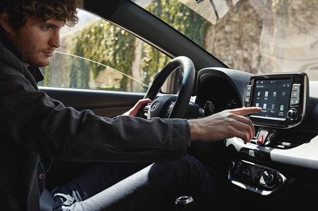 Dnes môžete vďaka modernej konektivite v aute počúvať všetko od detských pesničiek po podcast o jadrovej fyzike.