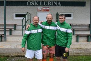 Päťdesiatnici z OŠK Lubina. Zľava: Igor Sekerka, Peter Vido, Ján Záhora. Na fotke chýba Denis Makara.