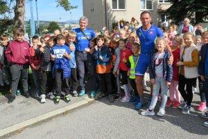 Žiakom z Vavrečky odprezentovali triatlon domáci klub TT Vavrečka.