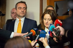 Člen republikovej rady SaS Jozef Rajtár a vylúčená členka strany Natália Blahová.
