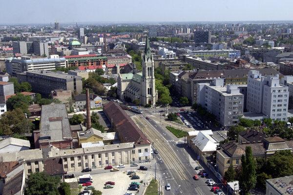 Pohľad na Blumentálsky kostol a jeho okolie v roku 2003.