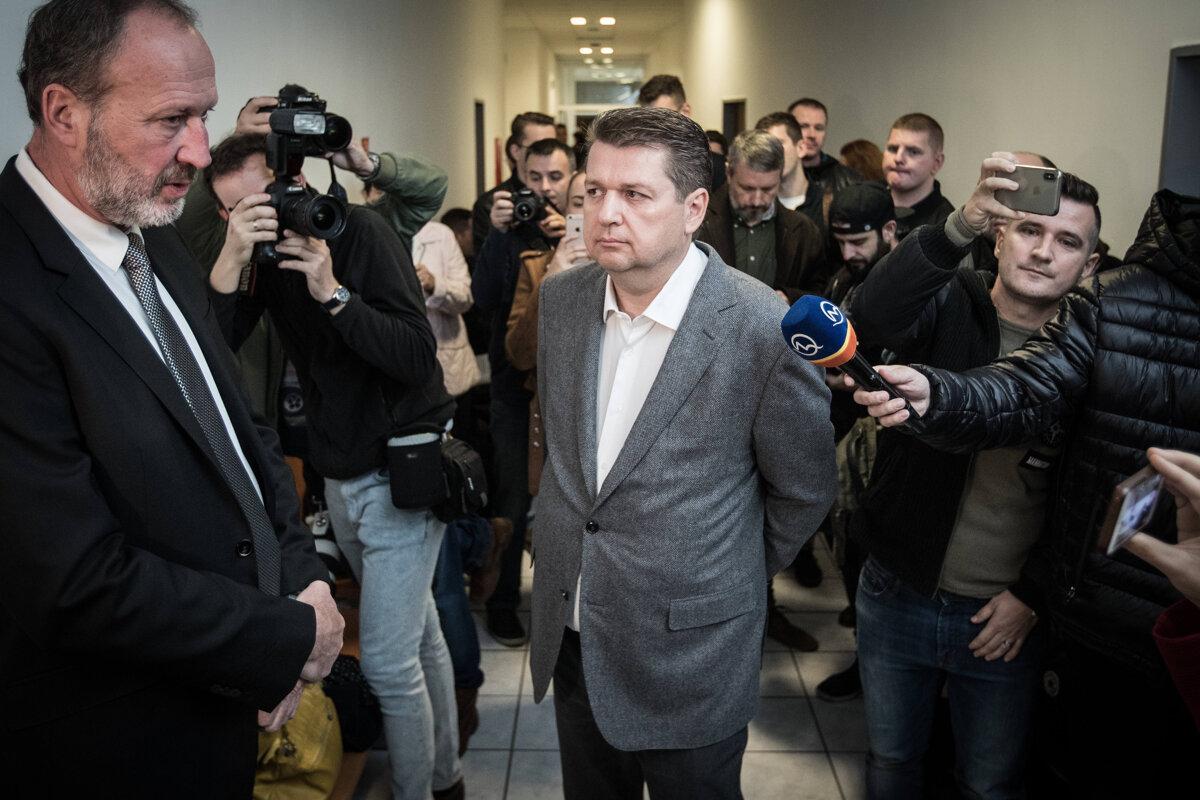 Ladislava Bašternáka súd odsúdil na päťročné väzenie, rovnako dlhý zákaz podnikania a trest prepadnutia majetku.