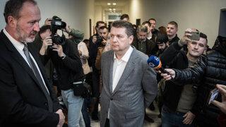 Správkyňa po tlaku verejnosti napadne na súde prevody Bašternákovho majetku