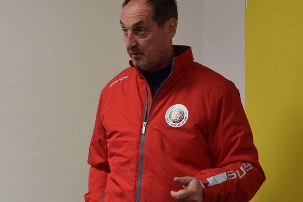 Bez lepších tréningov a bez posíl zo Zvolena to nepôjde, hovorí tréner žiarskych Indiánov Pavel Igríni.