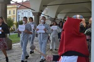 Levočania pochodovali aj s hriechmi zodpovedných, ktoré ich trýznia.