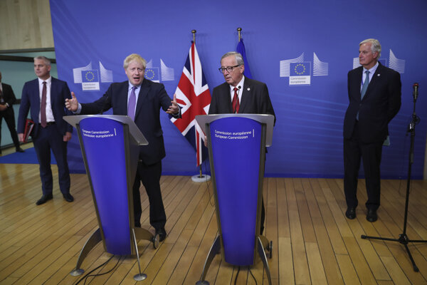 Britský premiér Boris Johnson a predseda eurokomisie Jean-Claude Juncker.