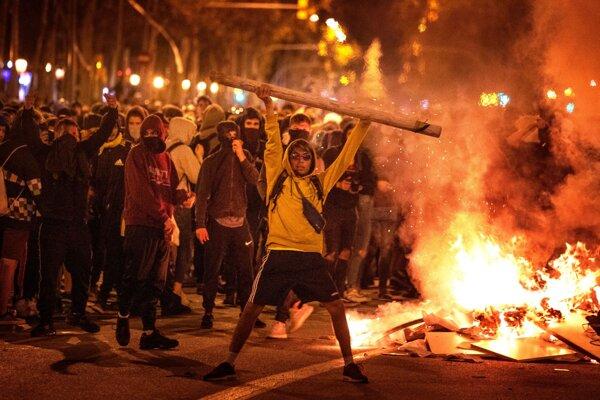 Nepokoje v Barcelone.