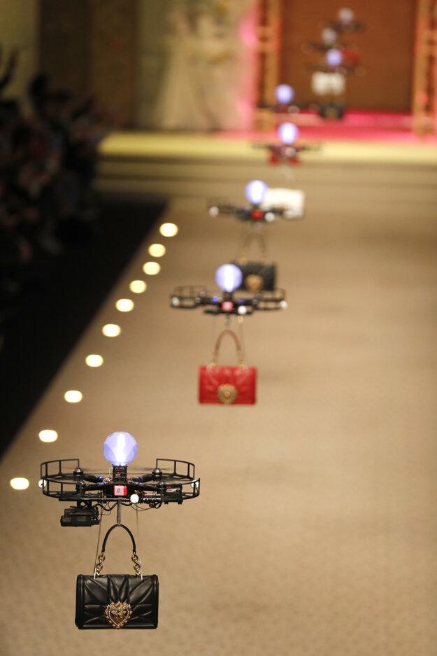 Drony na módnej prehliadke Dolce&Gabbana