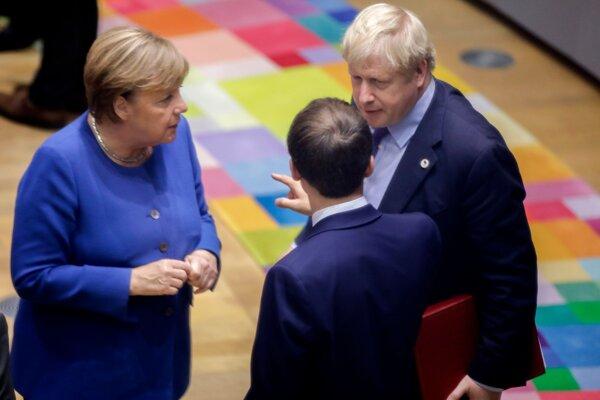 Angela Merkelová, Emmanuel Macron a Boris Johnson.