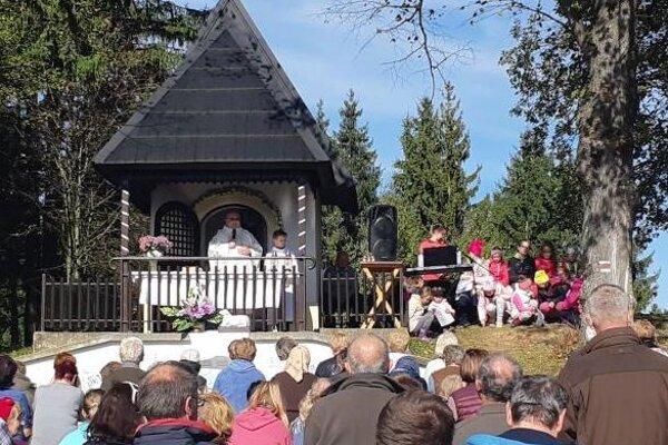 Stretnutie veriacich pri kaplnke sv. Vendelína.
