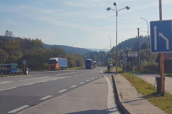 Semafor umiestnia aj pred vstupom do obce Svrčinovec v časti Zátky.