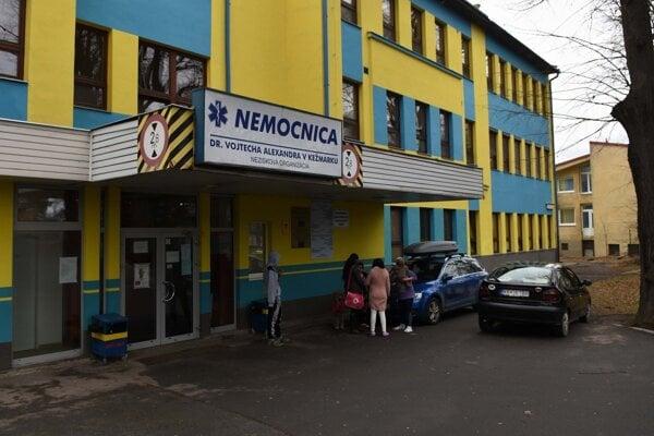 Nemocnica v Kežmarku. Vedľa nej má vyrásť poliklinika.