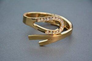 Pre milovníčky klasiky sa hodí obyčajné zlato.