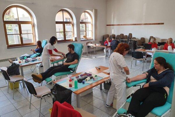 Prvé darovanie krvi v Porube.