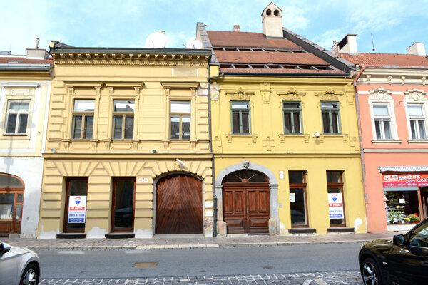 Dva meštianske domy v pamiatkovej zóne oceliari v minulosti spojili a zrekonštruovali. Teraz ich predávajú.