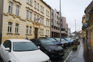 Dlhodobé parkovanie v centre Prešova od júla zdražie.