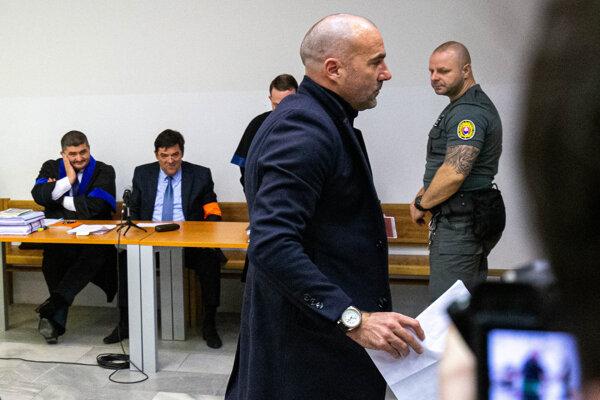 Ivan Cvik na súde s Kočnerom.
