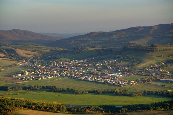 Podpolianska obec Kriváň.