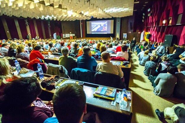 Počas prednášok na festivale je pravidelne plná sála.