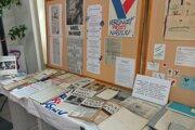 Výstava k výročiu Nežnej revolúcie v Liptovskej knižnici.