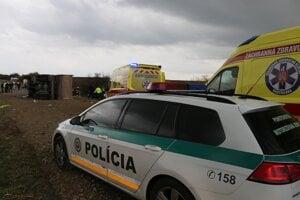 Hasičský a záchranný zbor SR informoval, že počet obetí a zranených sa zrejme bude zvyšovať.