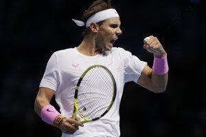 Rafael Nadal počas zápasu proti Daniilovi Medvedevovi na turnaji majstrov v Londýne 2019.