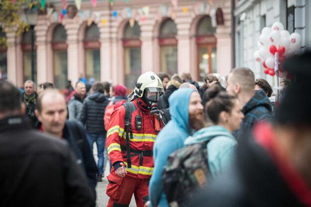Na mieste zasahovali tri desiatky hasičov.