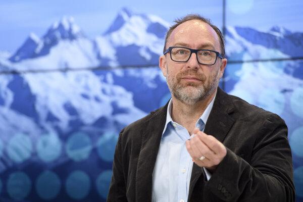 Zakladateľ internetovej encyklopédie Wikipedia Jimmy Wales.