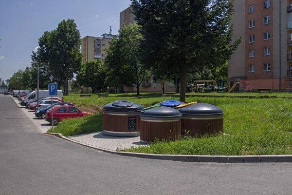 Spoločnosť REDOX – ENEX je najväčším dodávateľom systémov polopodzemných apodzemných kontajnerov na zber odpadov na slovenskom trhu.