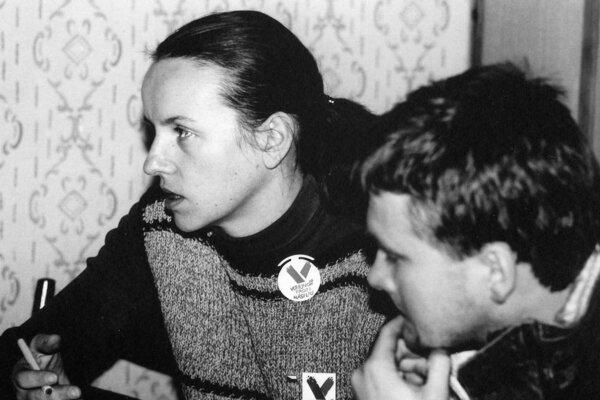 Lujza Bakošová so študentom Igorom Kisom pred 30 rokmi.