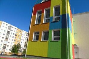 Obnovená budova škôlky.
