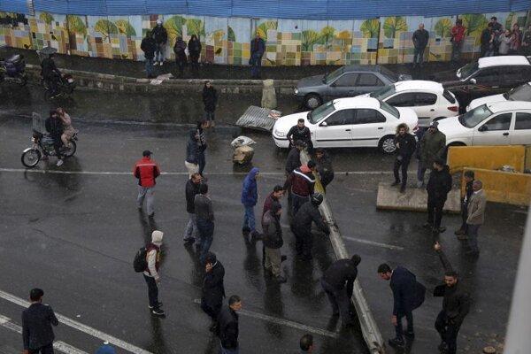 Protestujúci v Teheráne
